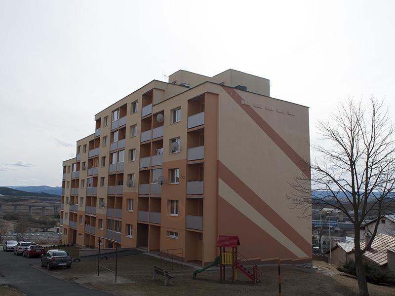 Náter a zateplenie bytového domu