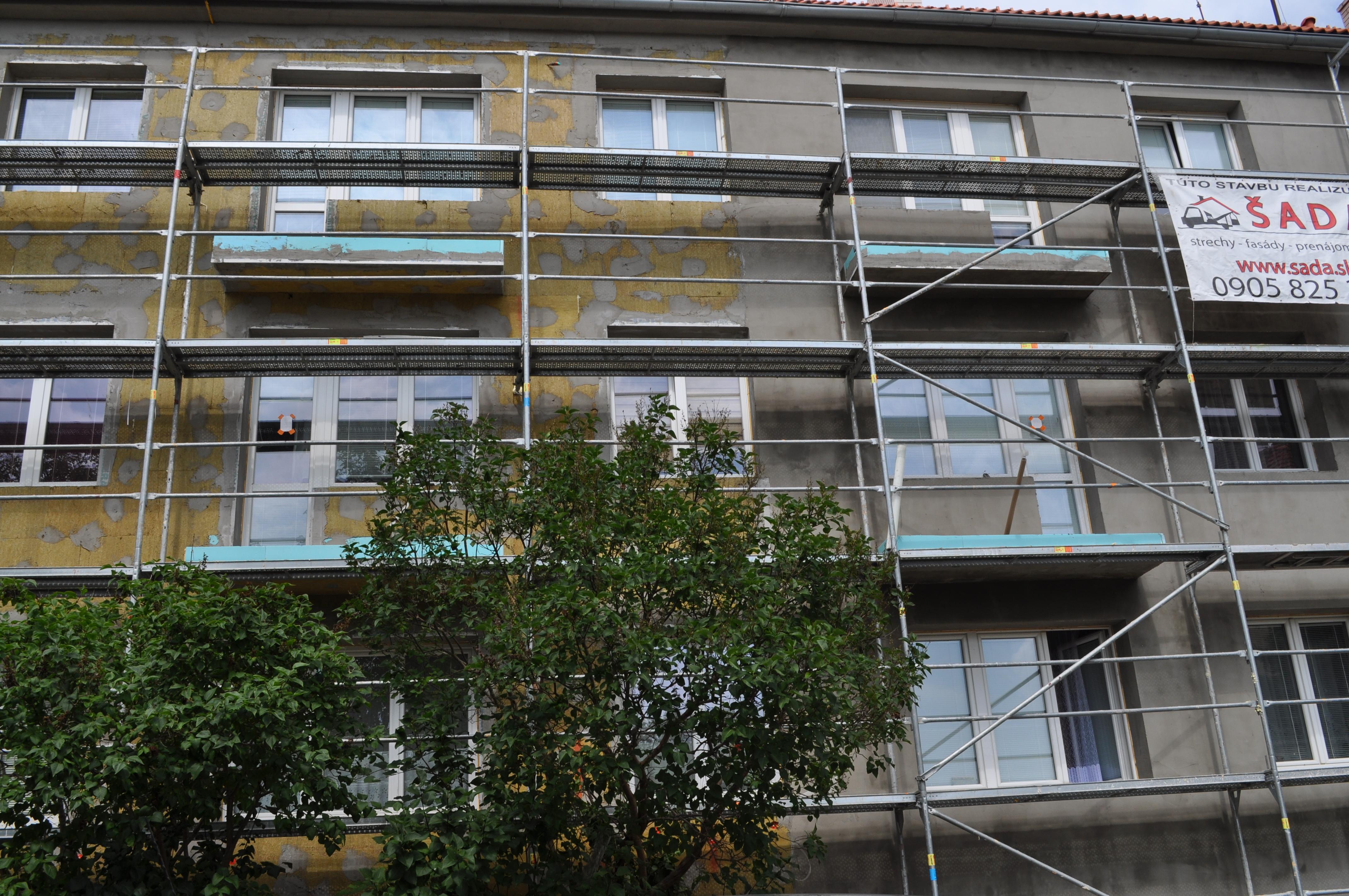Postup prác zatepľovania bytového domu